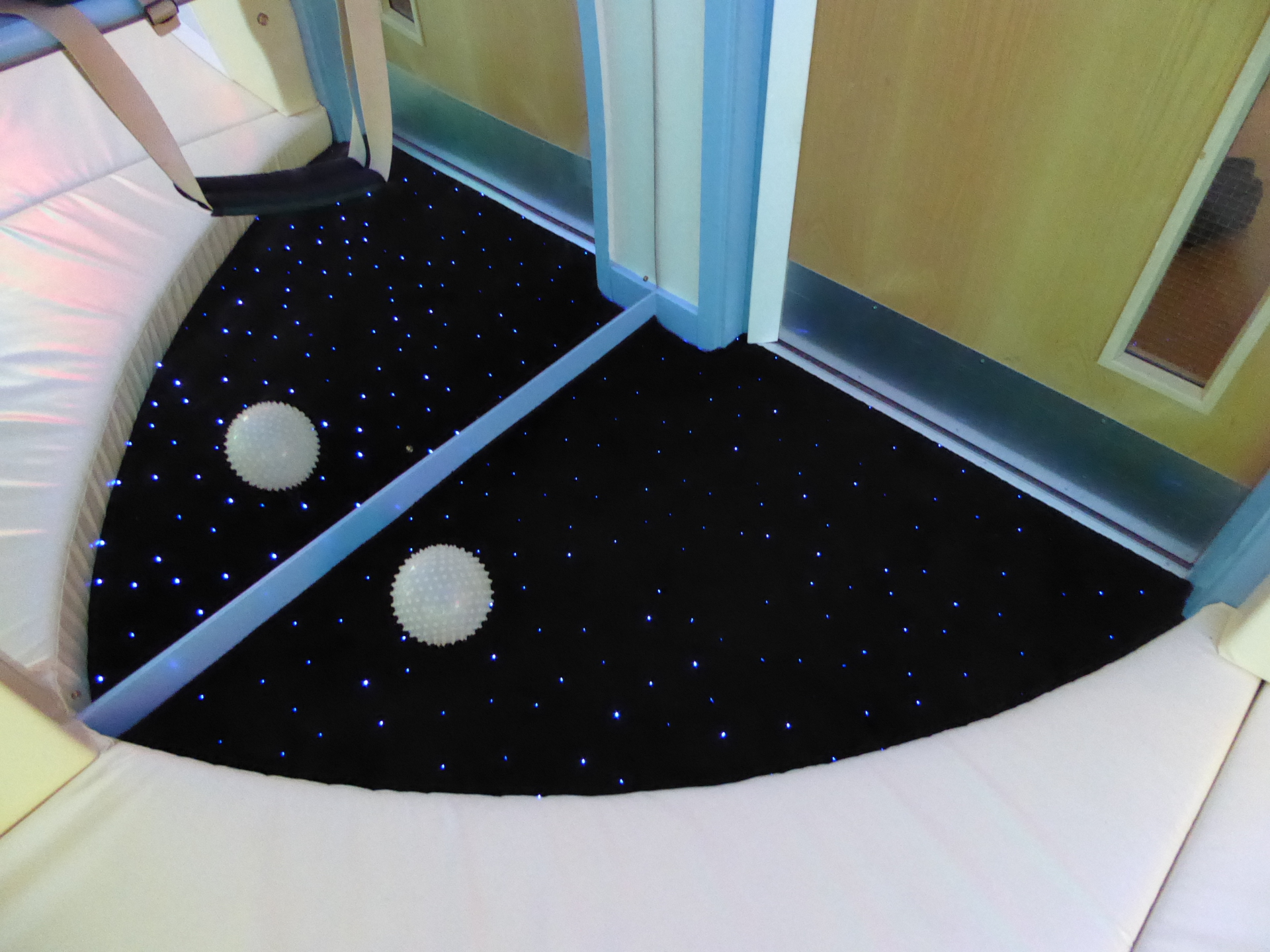 LED Star Carpet and Mirror
